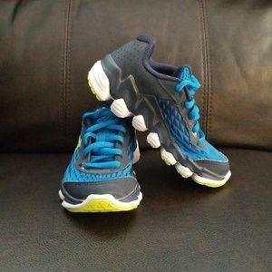Garçons De Moins De Chaussures Armure Taille 10.5 LSyZEKvTZ